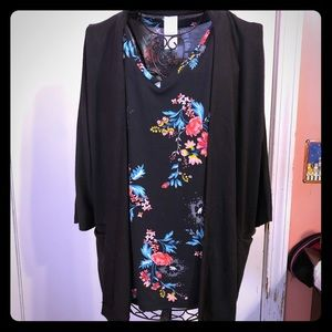 Floral Sleeveless Top with Cardigan Size Small